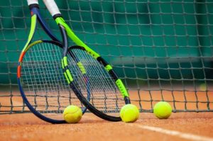 5 Reasons Why Tennis Players Have Many Rackets